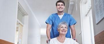 C'est par la plateforme Parcoursup que les futurs étudiants en soins infirmiers devront passer pour intégrer un des 326 instituts de formation aux soins infirmiers en France. La sélection se fait sur dossier.