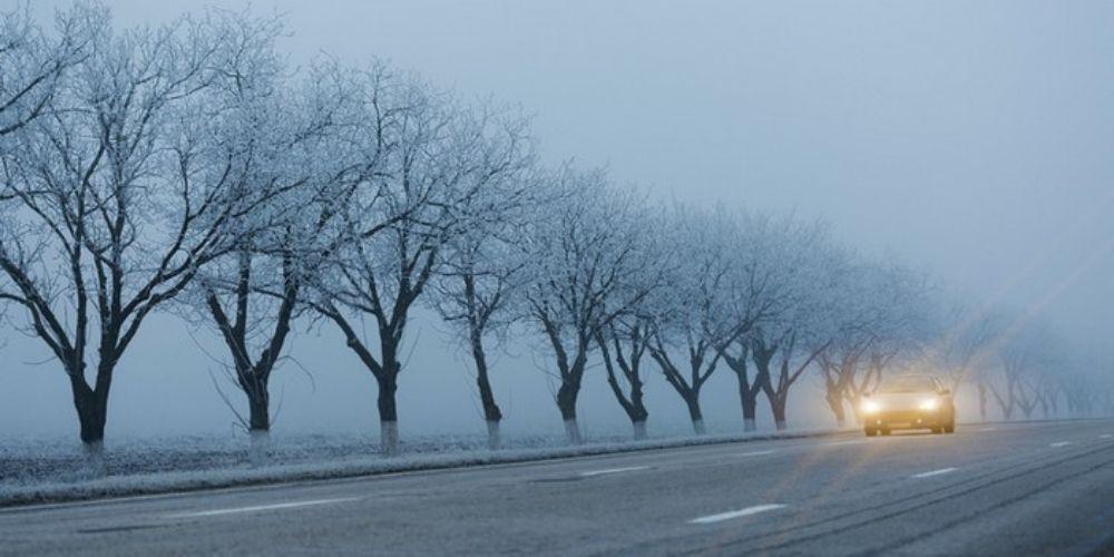 Conduire par mauvais temps : les bons réflexes pour gagner en sécurité