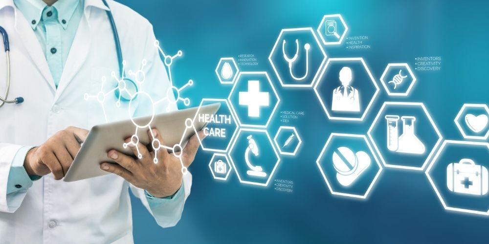 Si encore 80 % des applications mobiles pour tablettes, PC et Smartphone sont développées à l'attention des patients, de plus en plus d'entre elles sont dévolues aux médecins et infirmiers dont elles facilitent le travail.