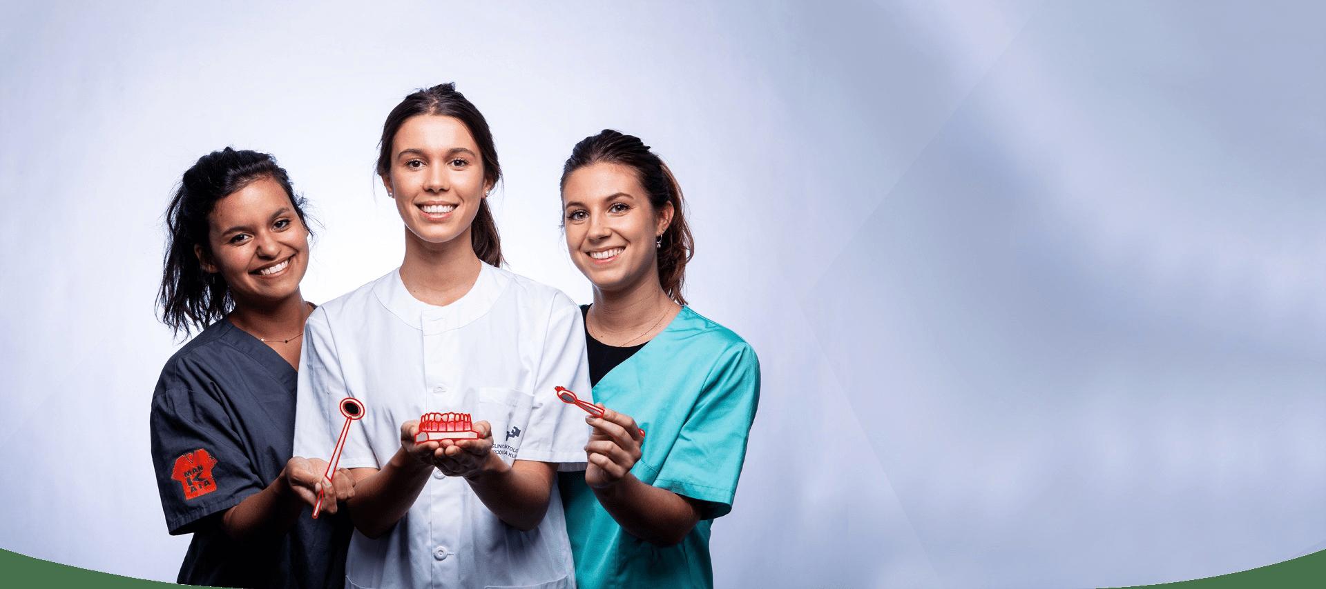 3 étudiants dentistes- 2018