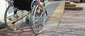 Un cabinet médical conforme aux normes d'accessibilité