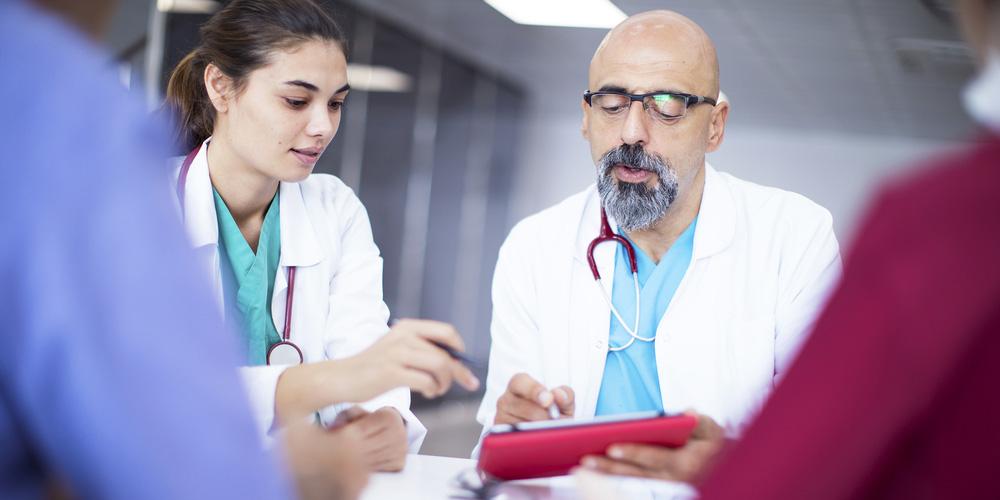 des professionnels de santé installés en libéral et exerçant en groupe