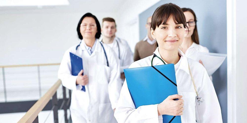 Infirmiers, vers un statut d'infirmière en pratique avancée