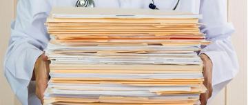 médecin ayant trop de tâches administratives