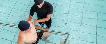 Soins de kinésithérapie en piscine